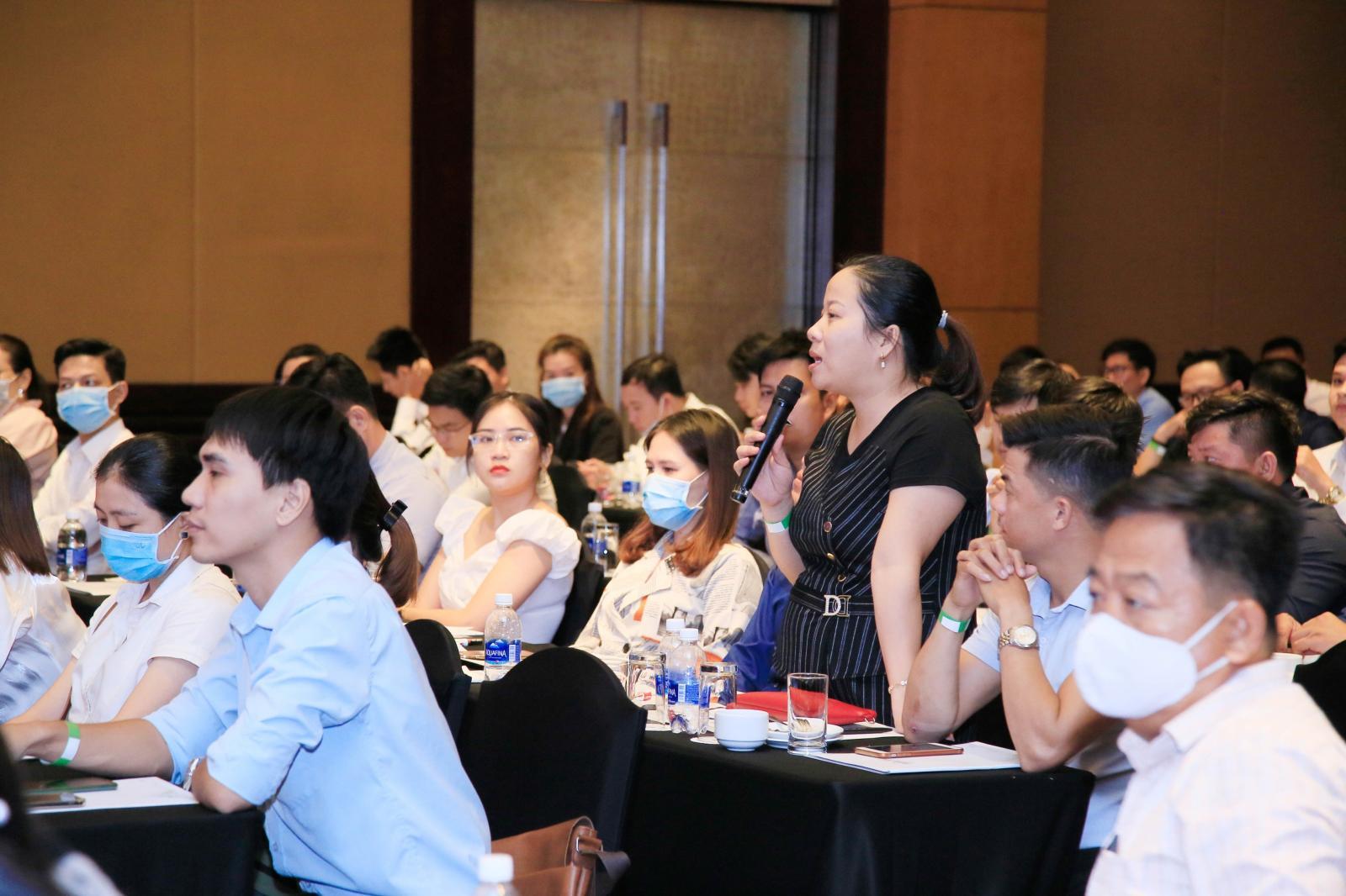Môi giới bất động sản tham gia Expert Talk 19 TP.HCM