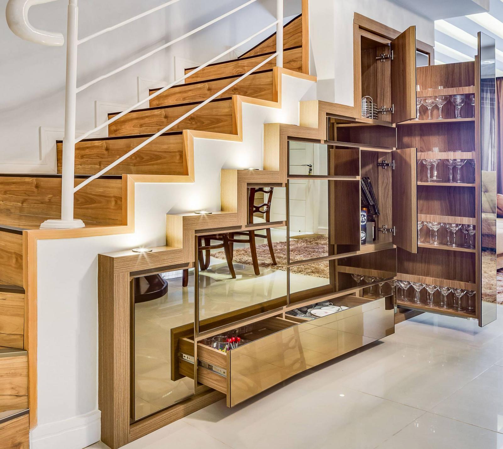 hệ tủ trang trí ở gầm cầu thang