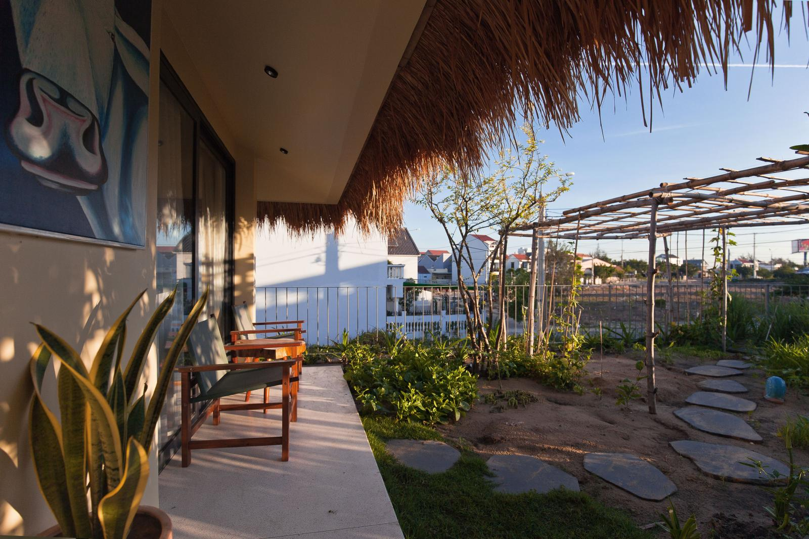 Mái nhà lợp cỏ tranh