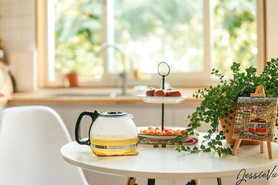 Bàn trà trong phòng bếp