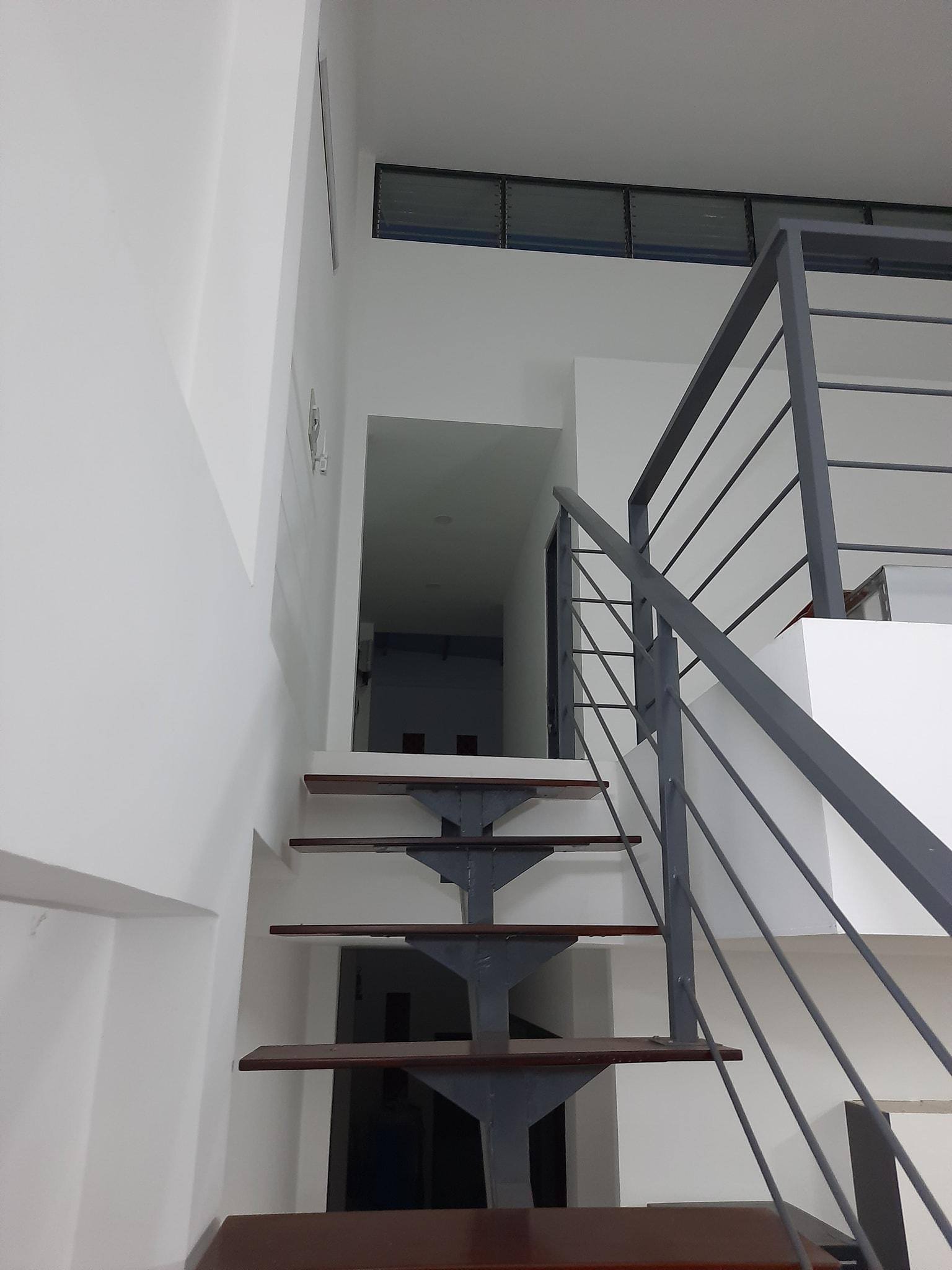 Cầu thang nhà cấp bốn