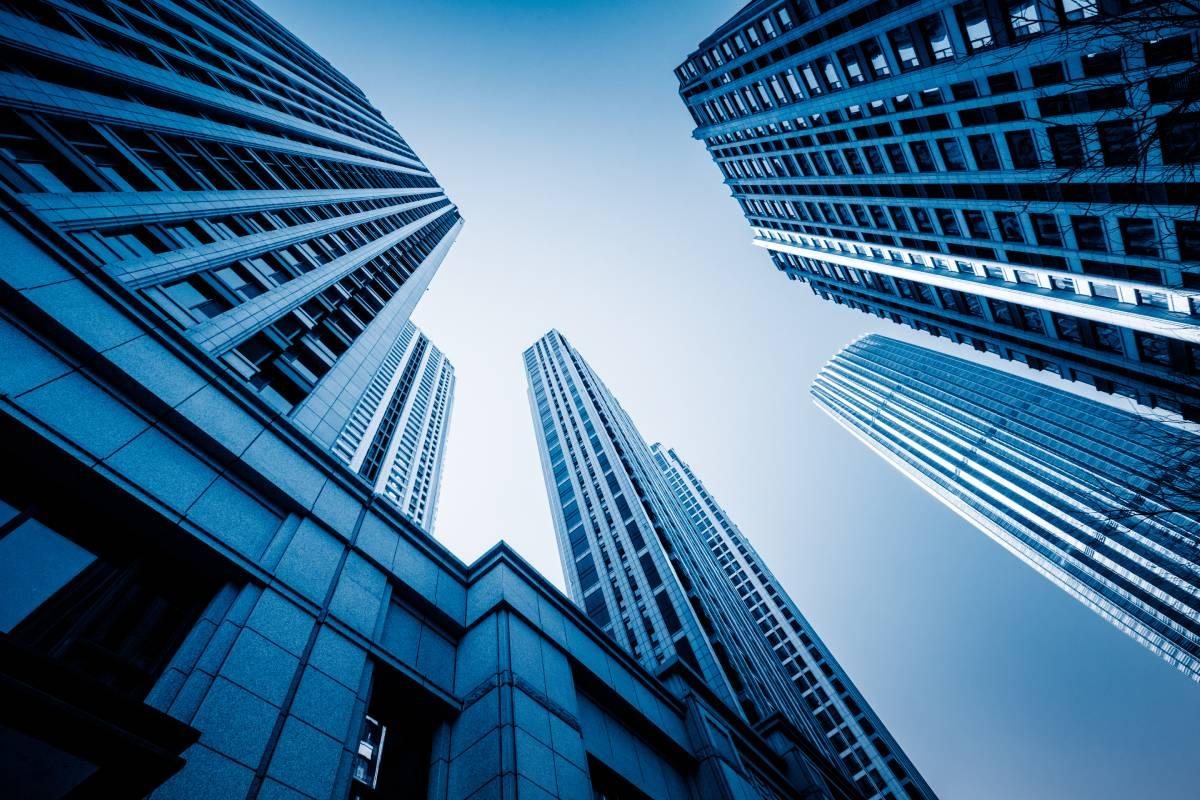 Đầu tư nước ngoài vào văn phòng, mặt bằng bán lẻ Trung Quốc bất ngờ tăng vọt