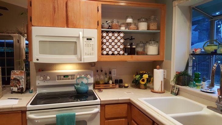 Nên dọn sạch mặt bàn bếp ngay sau khi sử dụng