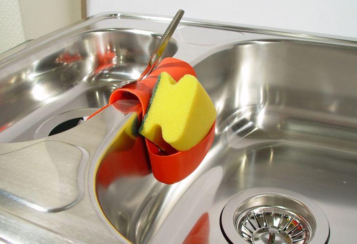 Chú ý vệ sinh miếng rửa bát sau khi sử dụng