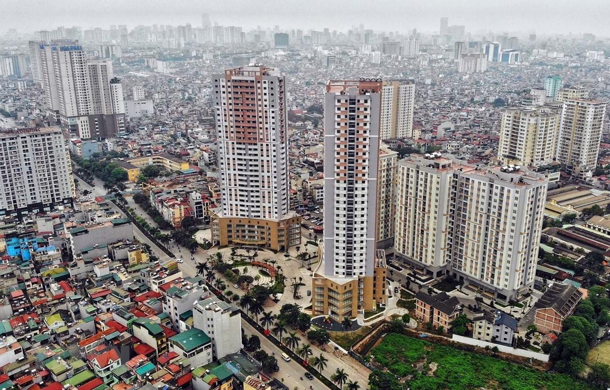 nhiều tòa nhà cao tầng tại trung tâm TP. Hà Nội