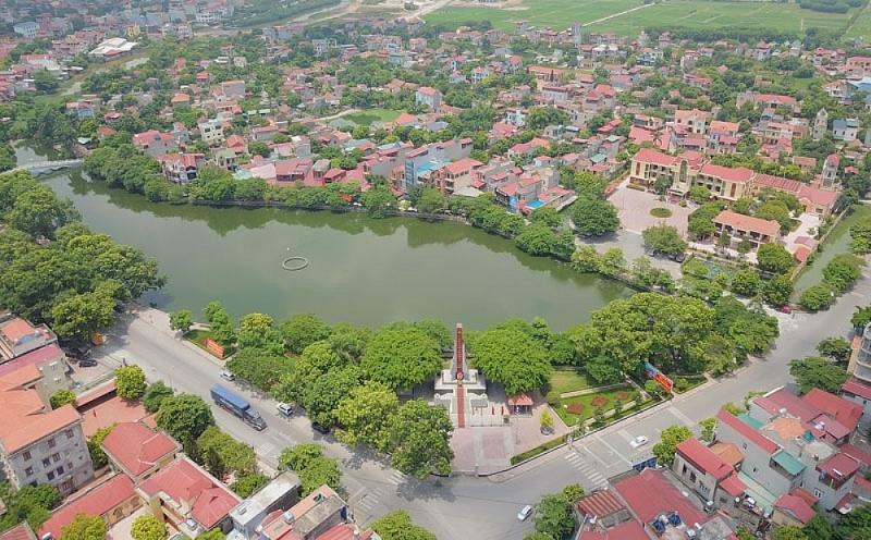 một góc tỉnh Bắc Ninh nhìn từ trên cao có nhiều nhà ở xung quanh hồ nước
