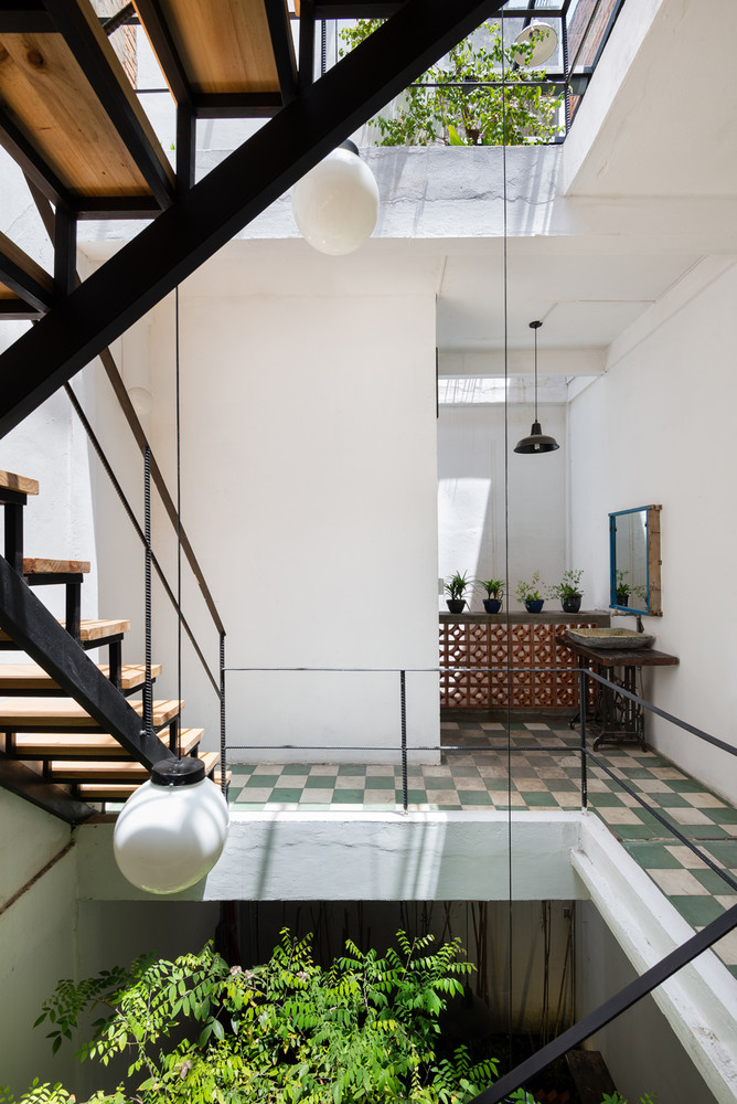Vật liệu của những bức tường và sàn được giữ lại nguyên vẹn như vốn có.