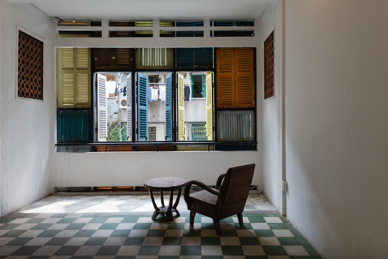 Nội thất được sử dụng trong ngôi nhà đa phần là các món đồ cũ do gia chủ sưu tầm.
