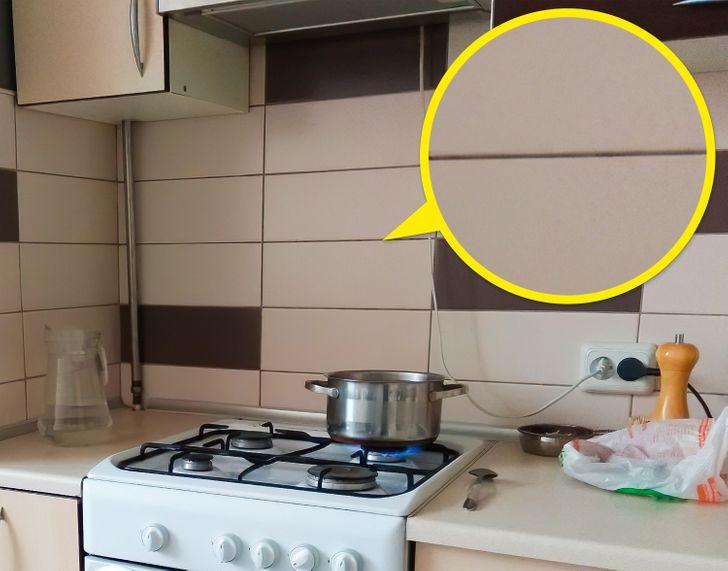 Ron gạch bếp quá rộng