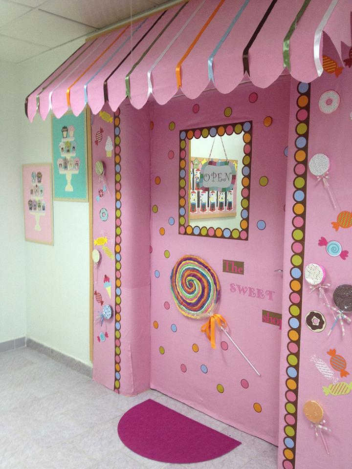Ý tưởng trang trí cửa lớp học siêu ngọt ngào