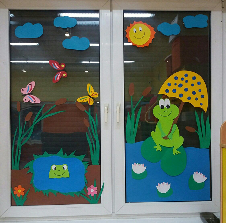 dán hình ảnh các con vật ngộ nghĩnh lên cửa sổ