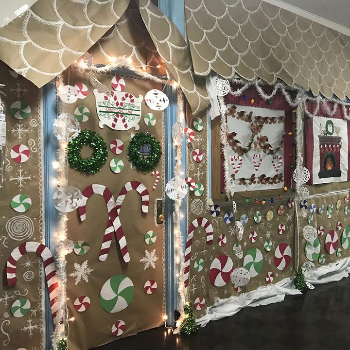 trang trí cửa lớp chủ đề Giáng sinh