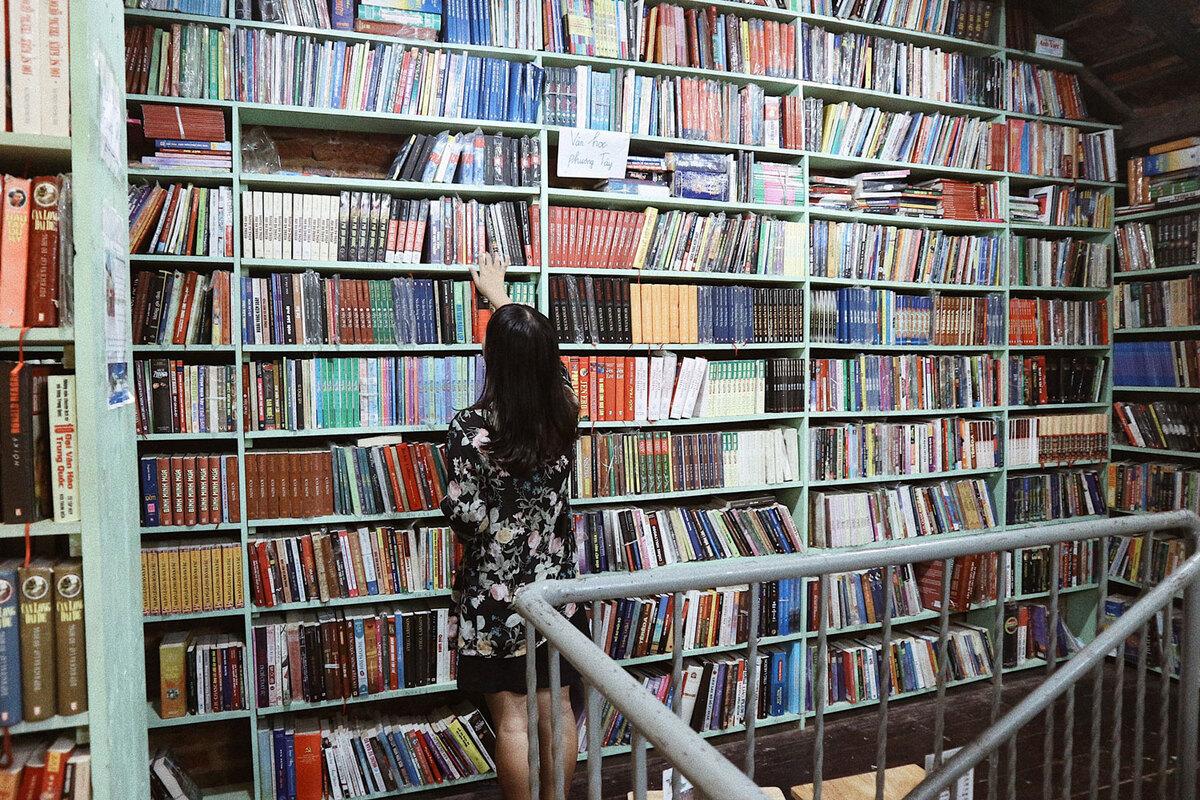 Không gian sau cải tạo đã rộng rãi, thuận tiện hơn cho khách đi lại, tìm và đọc sách.