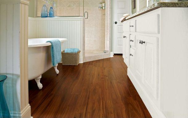 Sàn gỗ laminate lát phòng tắm