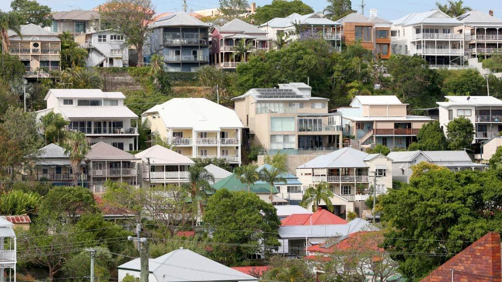 Thắt chặt quy định cá nhân mua đất ở nước ngoài để định cư