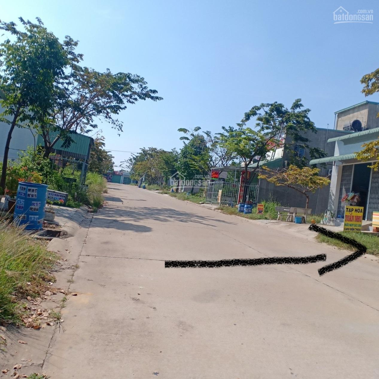 Cần bán căn nhà 1T + 1L, 150m2 đất, đường ô tô 16m, dân đông đúc, gần trường cấp 2, LH 0975352430