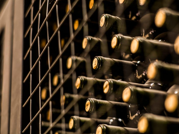 Hầm rượu