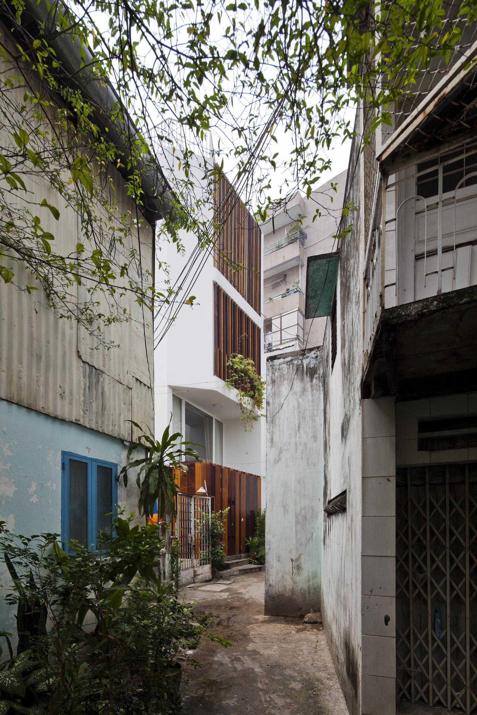Nhà phố trong hẻm