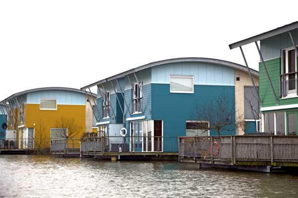 Nhà nổi chống ngập lụt