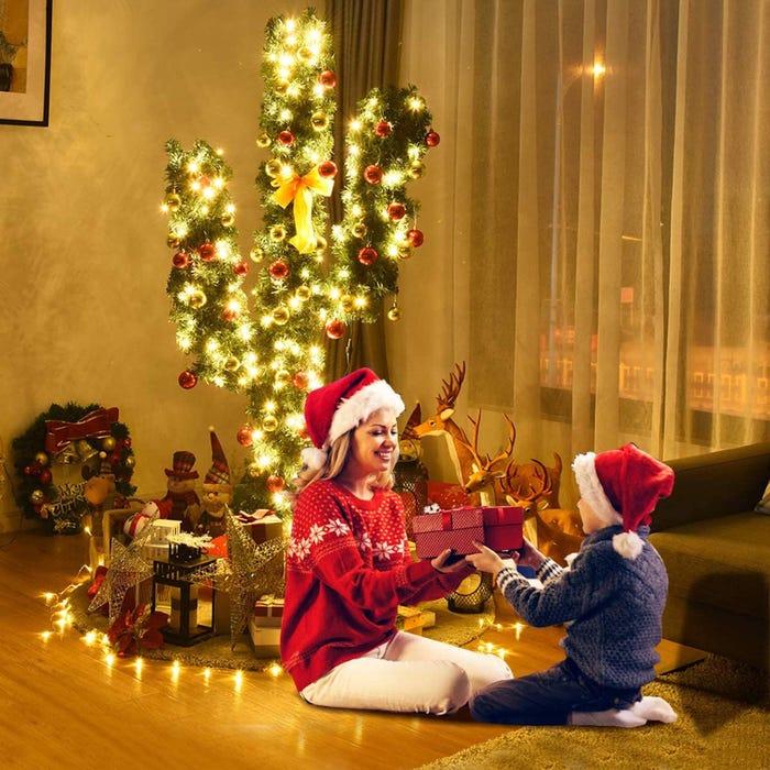 Cây xương rồng trang trí Noel