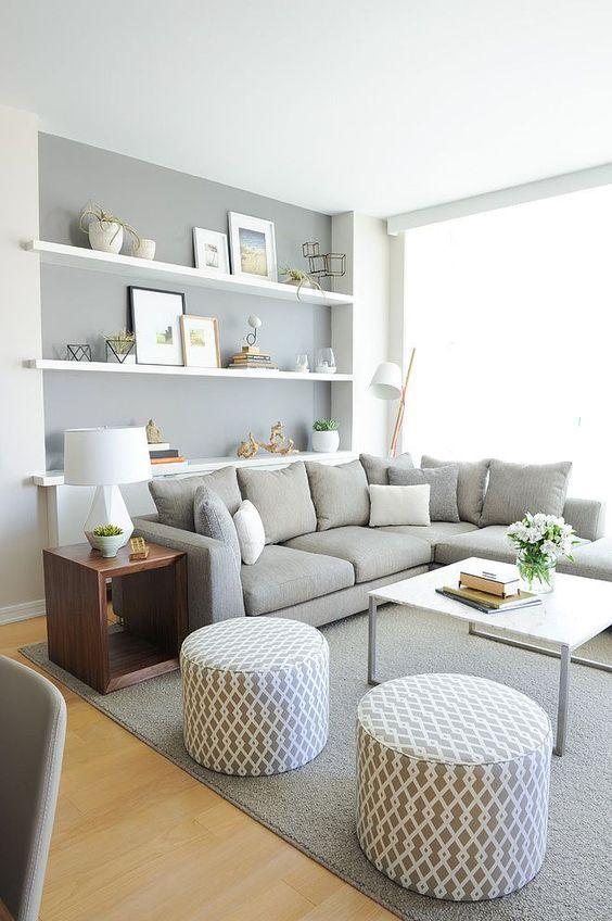 Mẫu thiết kế phòng khách tông trắng cho nhà phố 2 tầng 1 tum