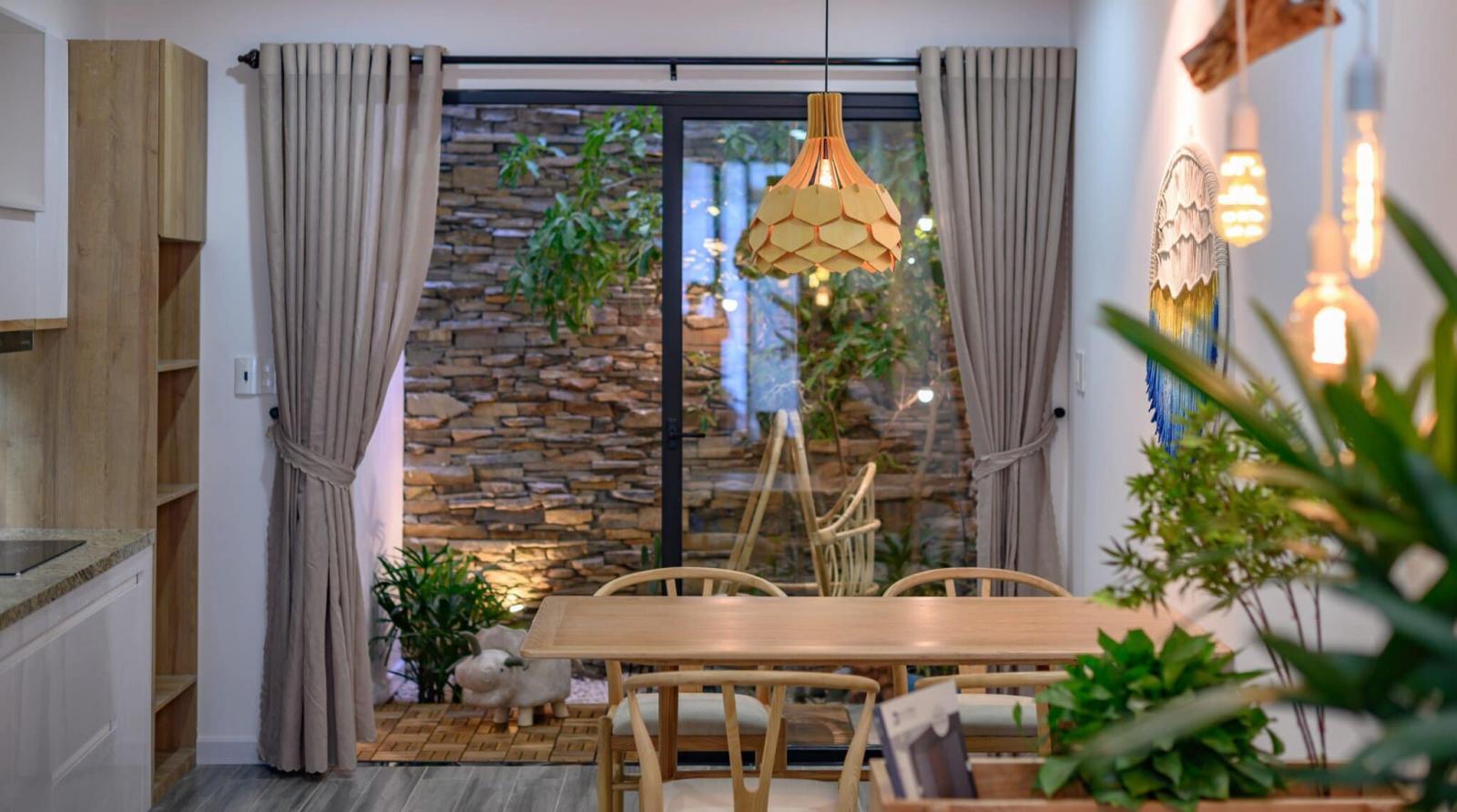 Phòng ăn lãng mạn