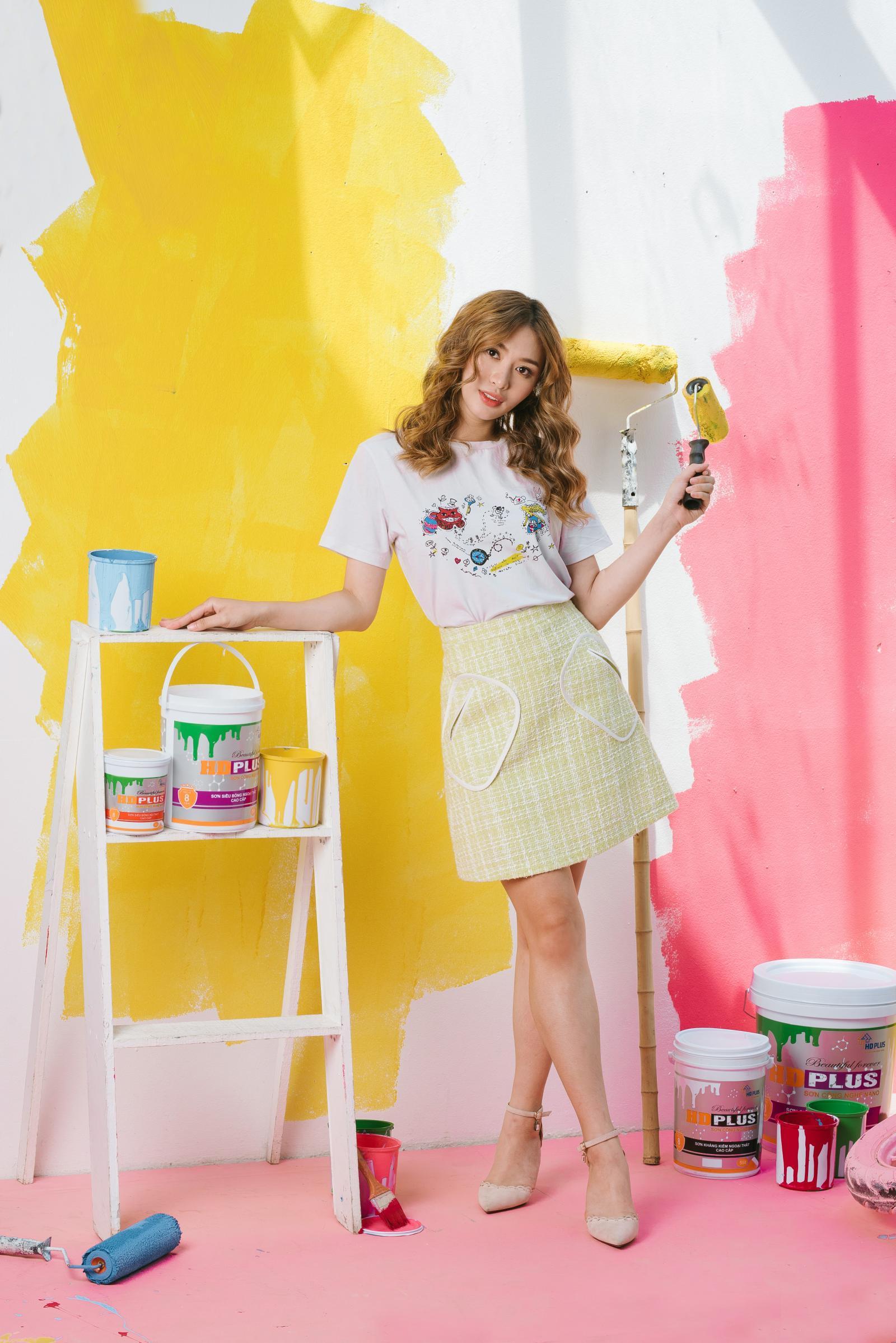 hình ảnh cô gái bên nhãn hiệu sơn