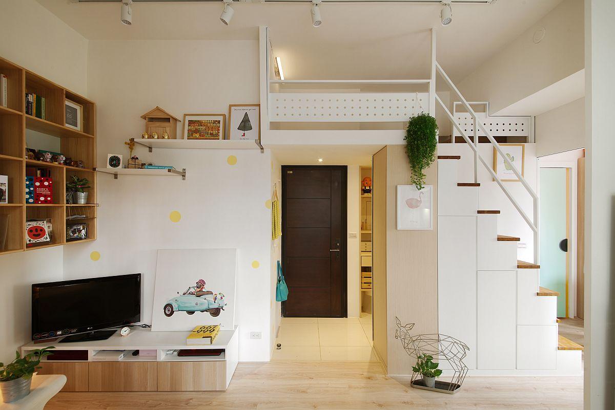 Nhà cấp 4 gác lửng tận dụng khe cầu thang để làm tủ chứa đồ