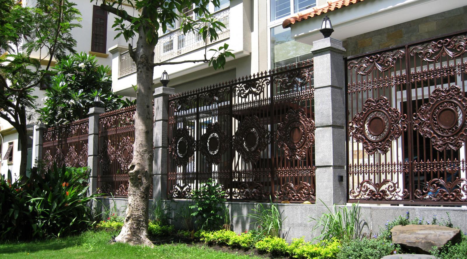 hàng rào bằng sắt đẹp