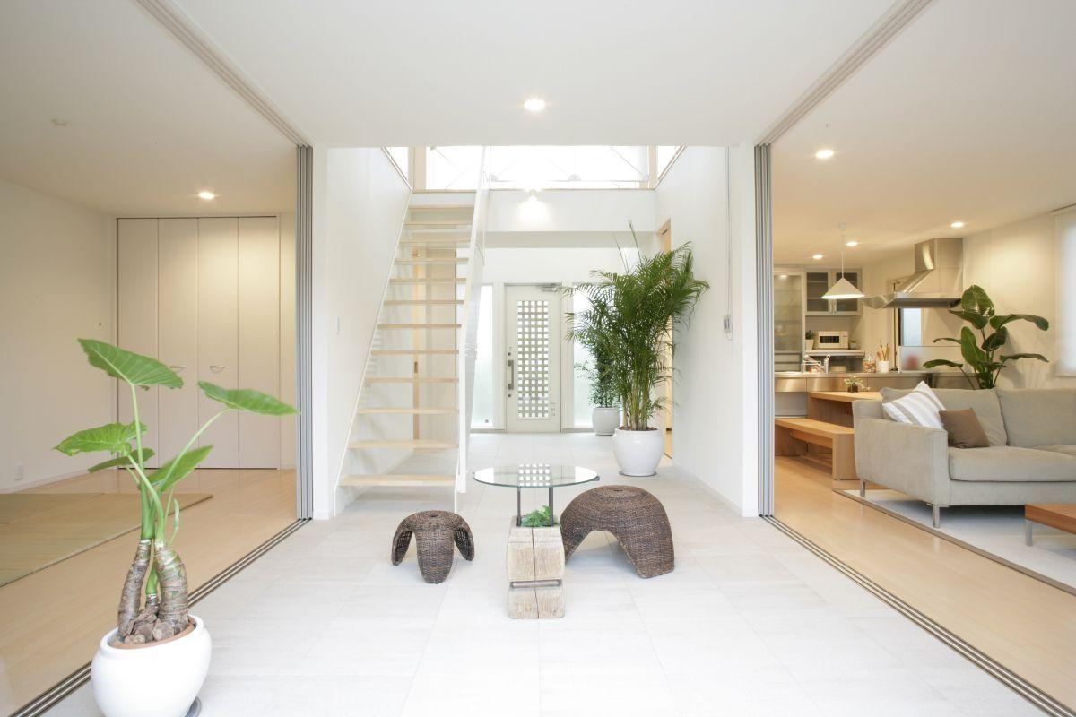Căn hộ tông trắng thiết kế theo phong cách Zen
