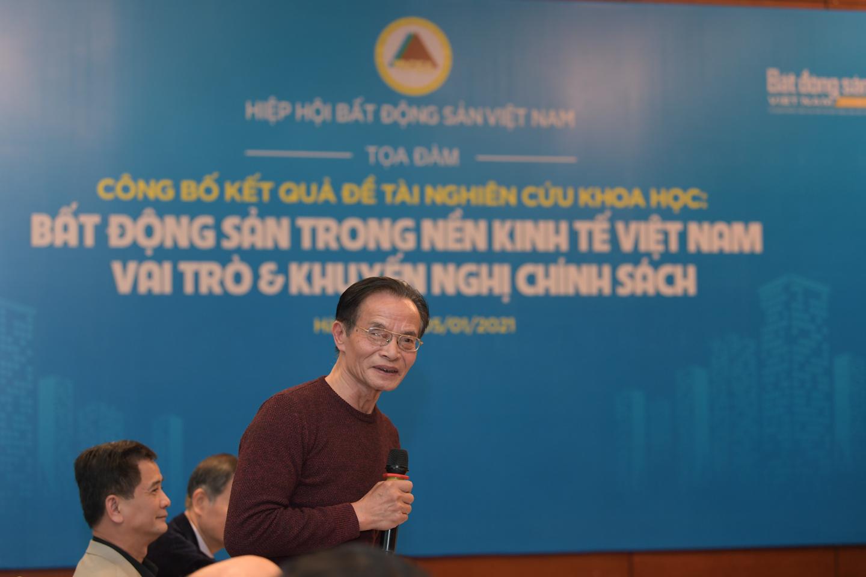 hình ảnh tiến sĩ Lê Xuân Nghĩa
