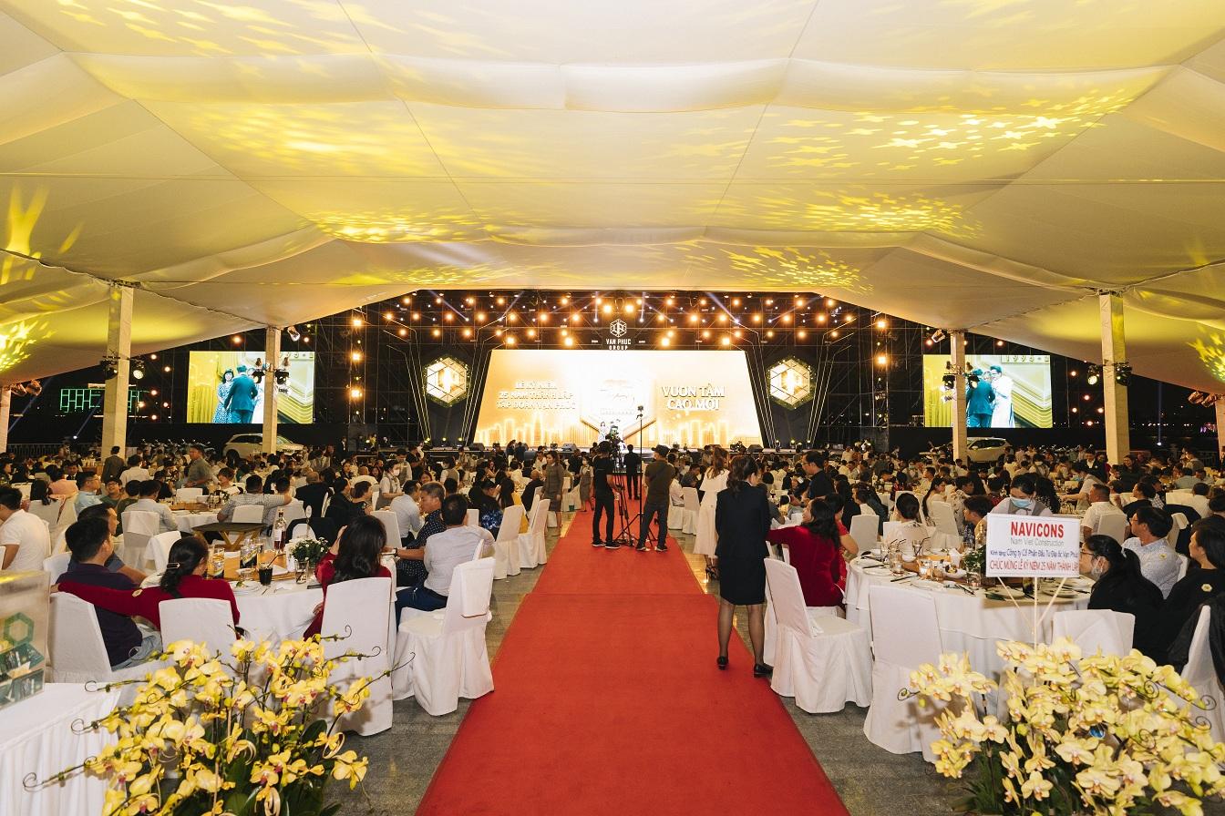 Lễ kỷ niệm 25 năm thành lập Van Phuc Group.