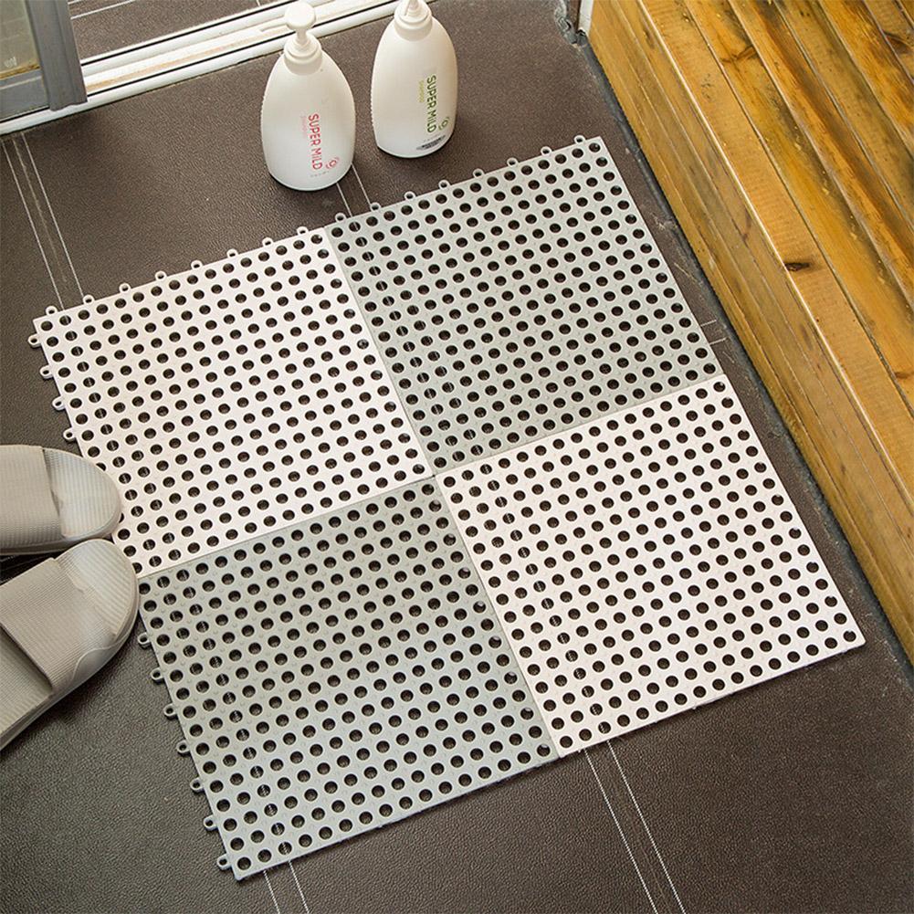 Thảm bằng nhựa hoặc cao su chống trơn trượt trong phòng tắm