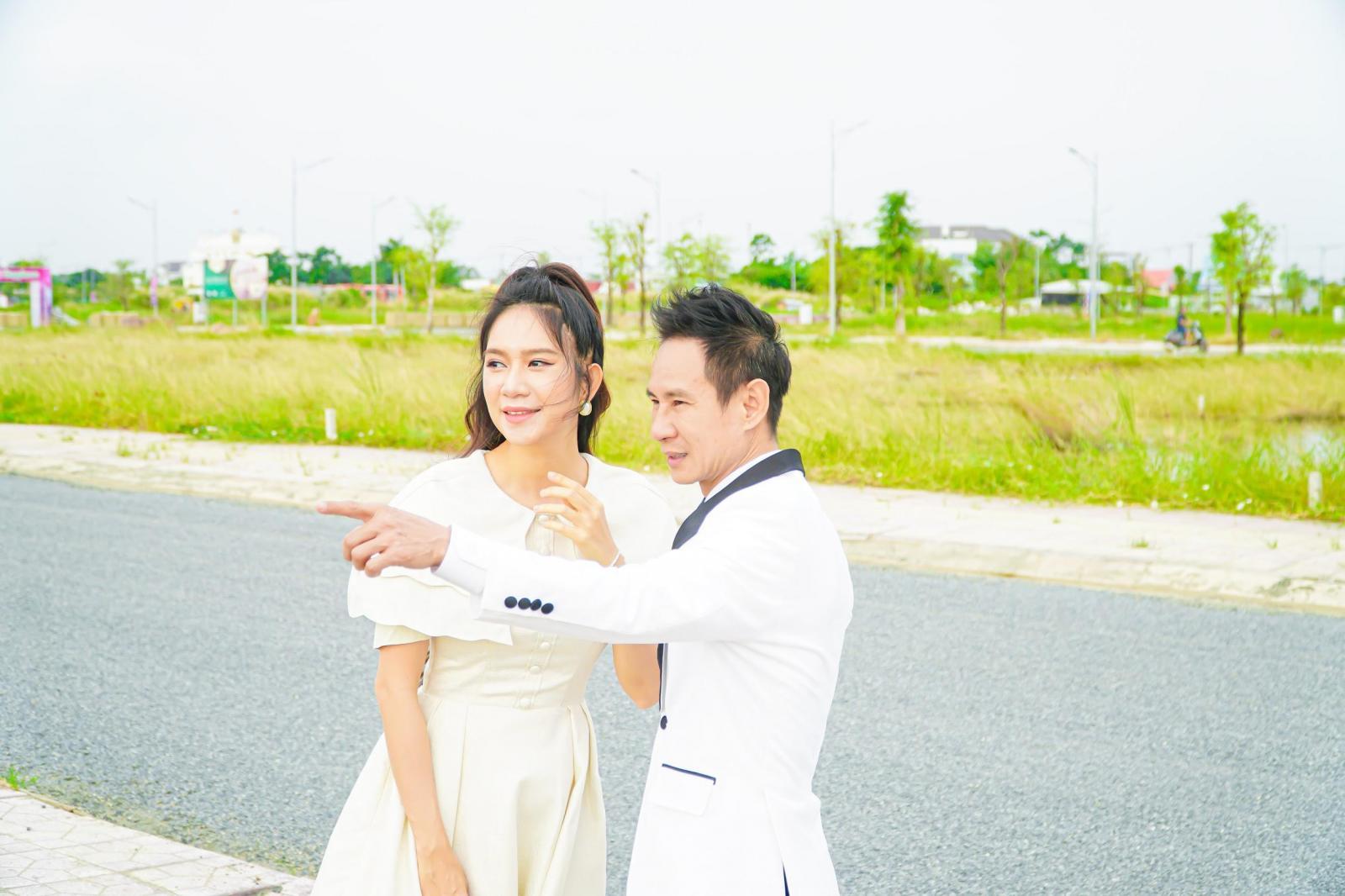 20210126141143 8c07 Tin thị trường BĐS mới: Lý Hải - Minh Hà tìm hiểu đất nền khu đô thị Happy Home ở Cà Mau