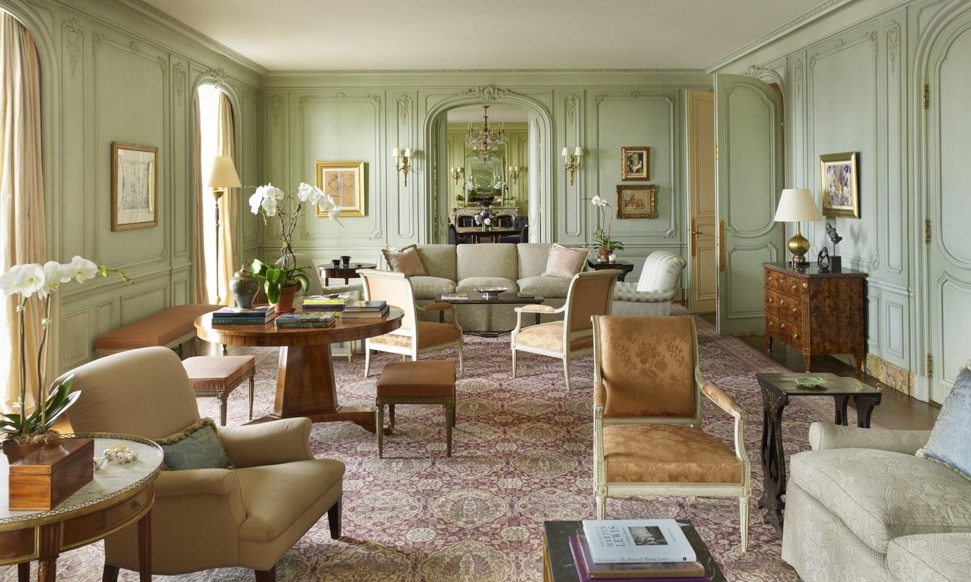 Vật liệu gỗ và nỉ trong căn phòng mang phong cách cổ điển