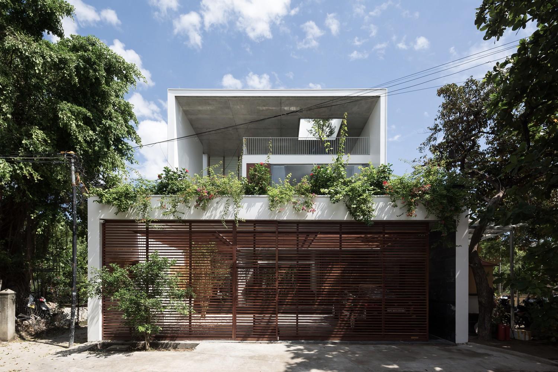 Ngôi nhà Q House có lớp vỏ kết cấu chính là hệ khung bê tông cốt thép
