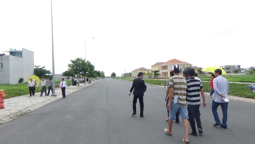 Nhà đầu tư đếm xem dự án bất động sản tại Long An