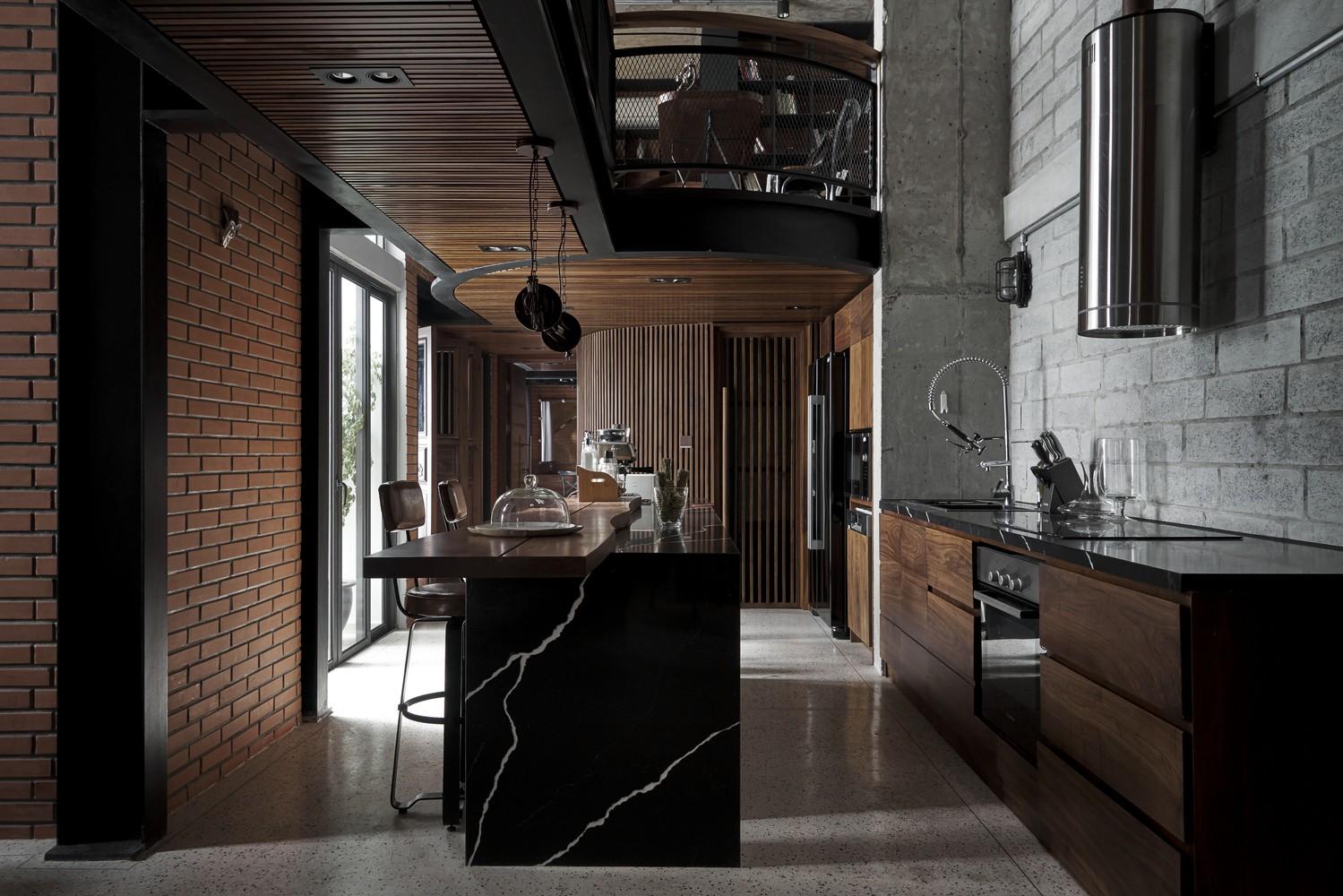 Phòng bếp sang trọng, tiện nghi với thiết kế tối giản, hiện đại.