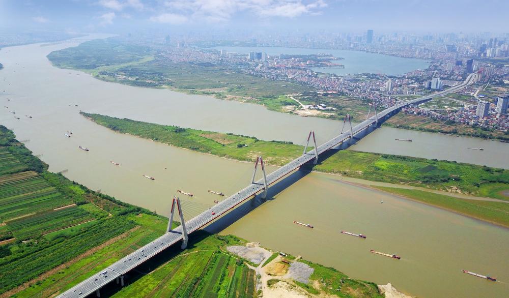 thành phố hai bên sông, có cầu bắc qua sông