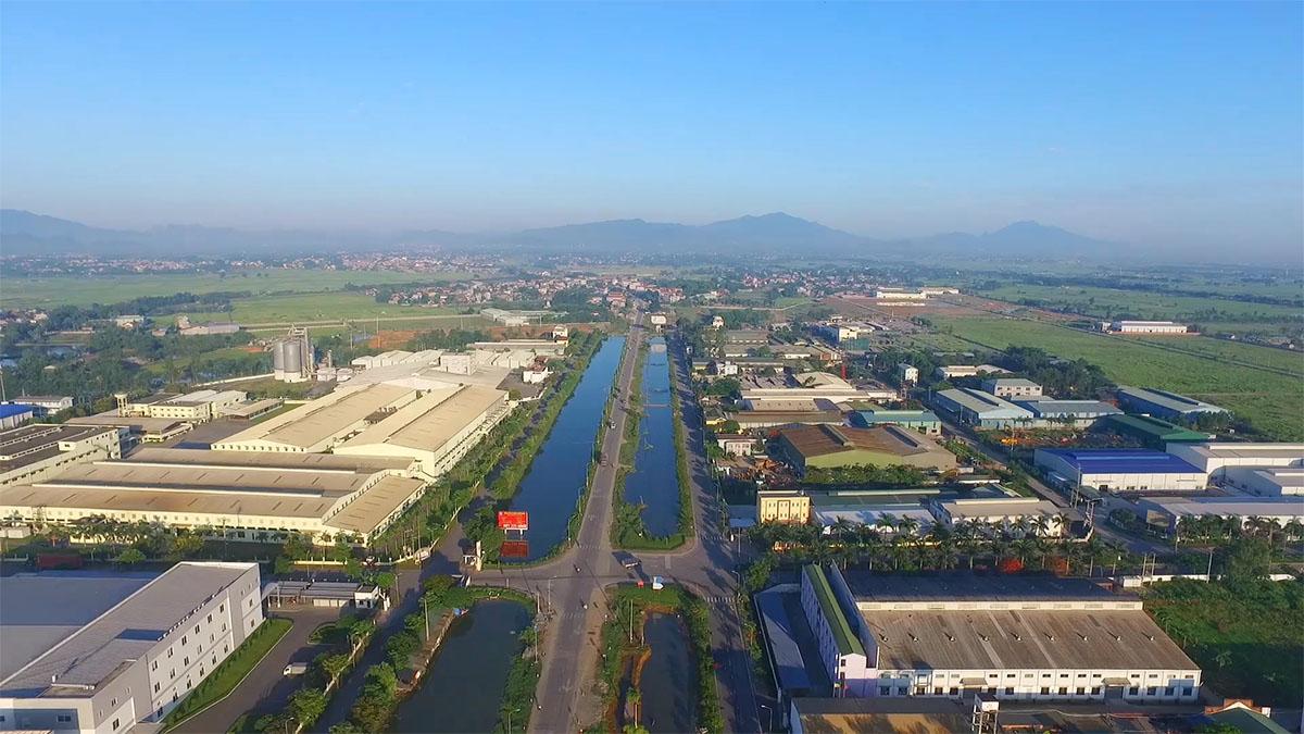 khu công nghiệp nằm hai bên sông