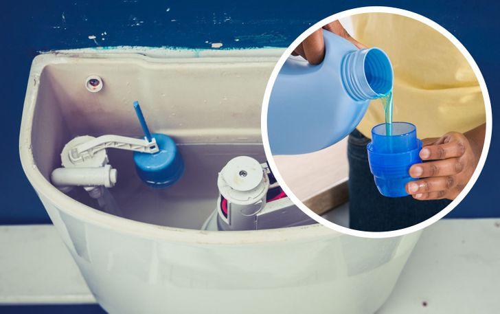 đổ nước giặt vào téc bồn cầu
