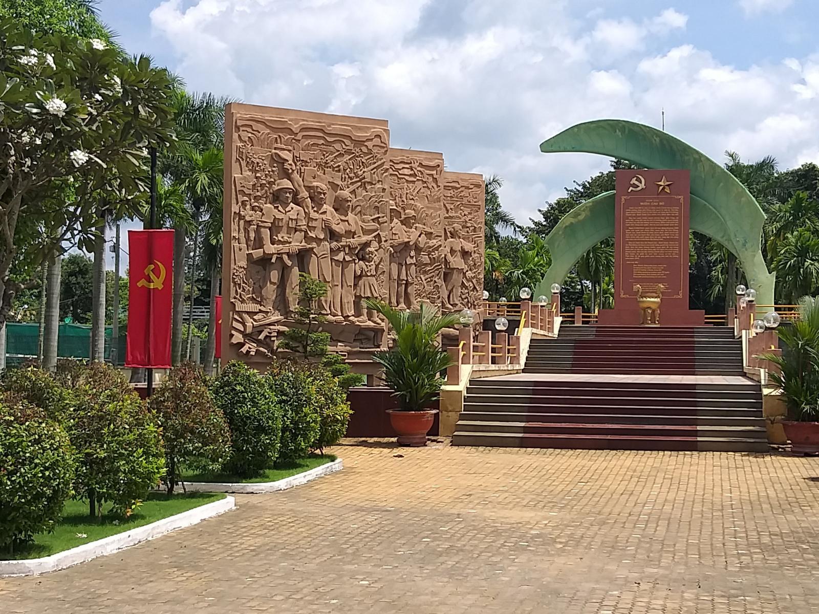 Khu tưởng niệm Vườn Cau Đỏ