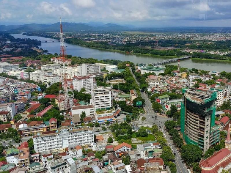 thành phố nằm hai bên sông