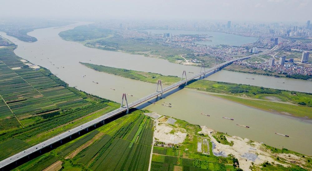 thành phố hai bên sông có cây cầu bắc qua