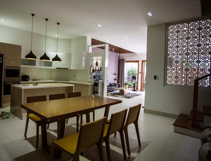 Thiết kế phòng bếp nhà phố 4 tầng trên đất 8x15m