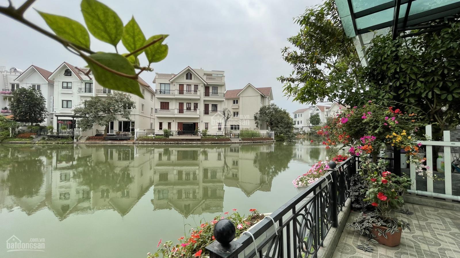 Bán biệt thự song lập Hoa Lan 225m2, hoàn thiện đủ đồ rất đẹp, sông cực rộng tại Vinhomes Riverside