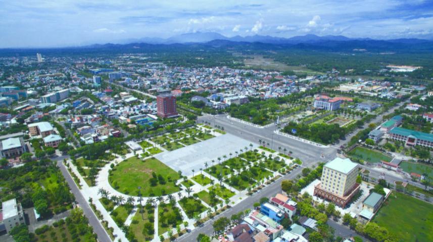 một góc thành phố và con đường nhìn từ trên cao