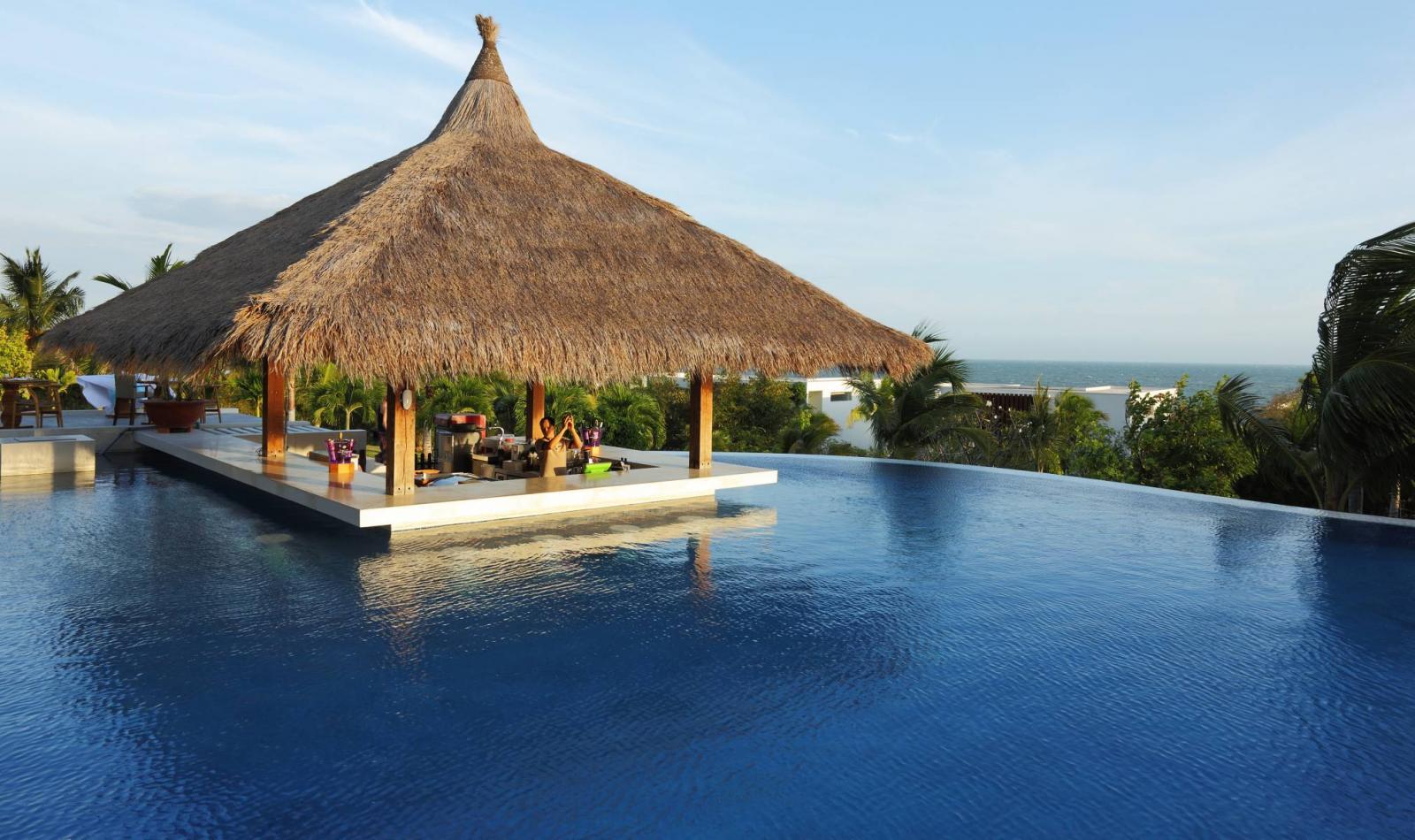 resort có bể bơi vô cực