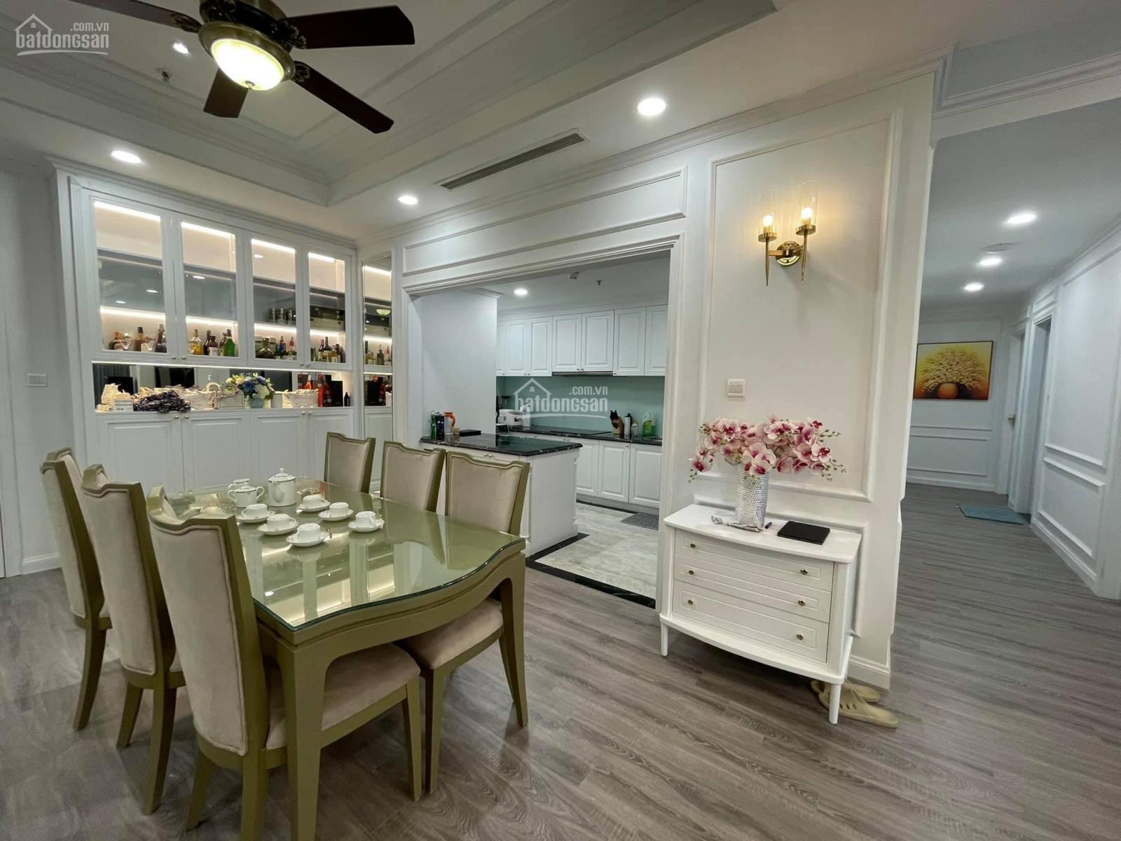 Cắt lỗ sâu căn 3pn tòa R4 - 130m2 full nội thất đẳng cấp giá chỉ 8.1tỷ tại Royal City LH 0399037688