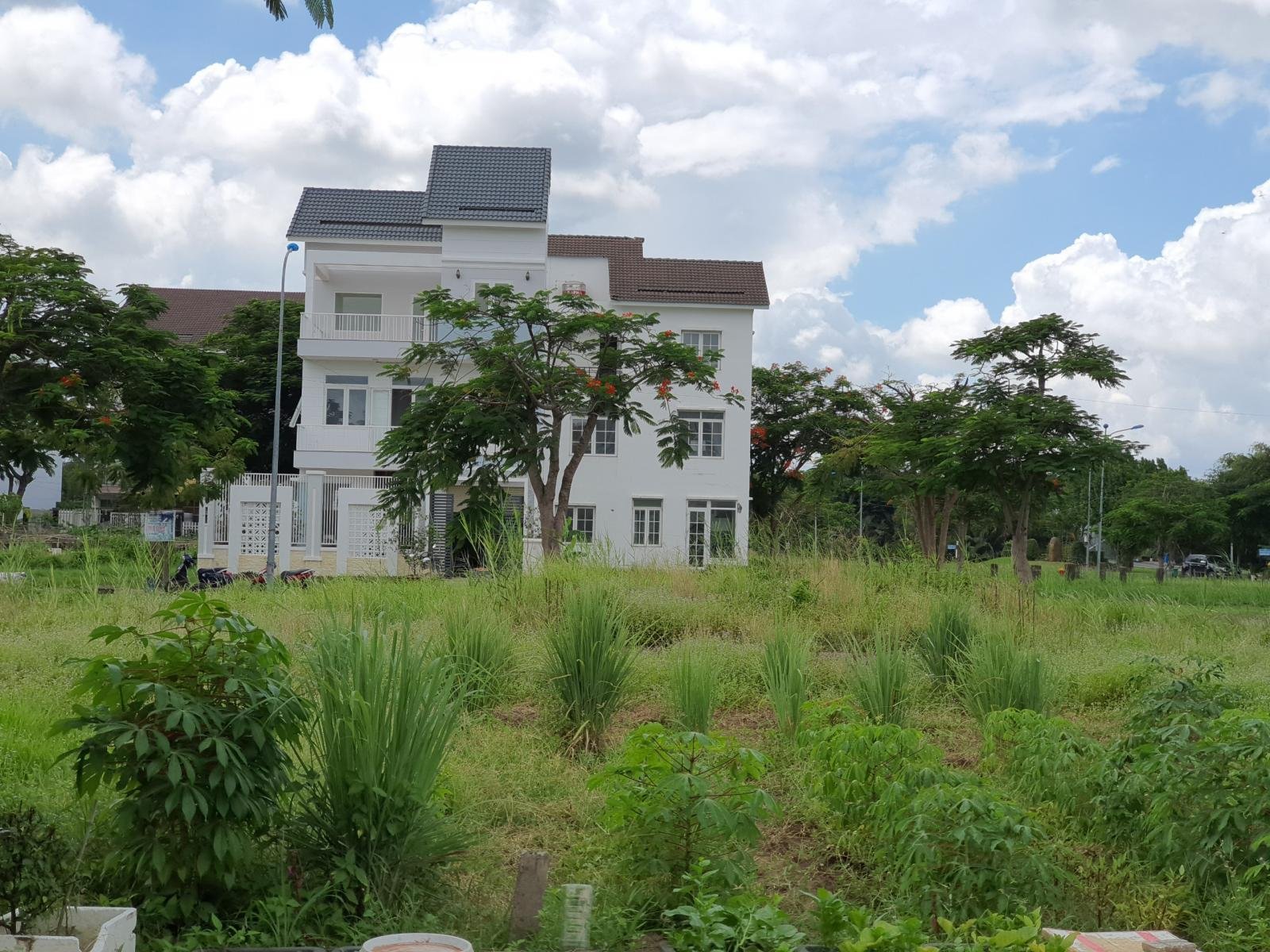 Đất nền trong một khu dân cư tại TP.HCM